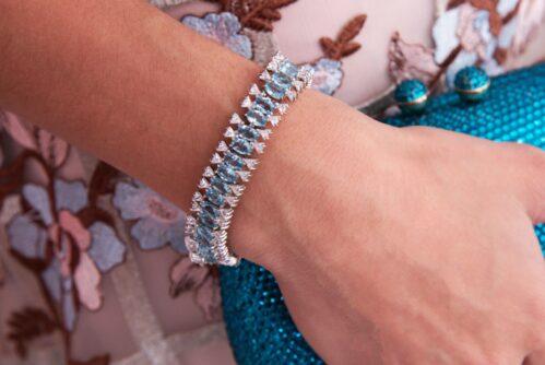 pulseira de rodio branco com gotas azul